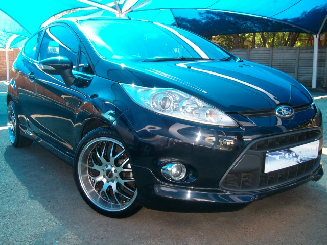 Ford Fiesta 1.6 2010 photo - 9