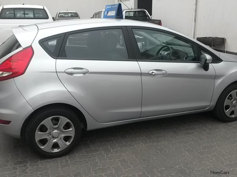 Ford Fiesta 1.6 2011 photo - 11