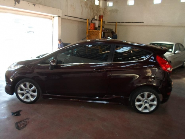 Ford Fiesta 1.6 2011 photo - 8