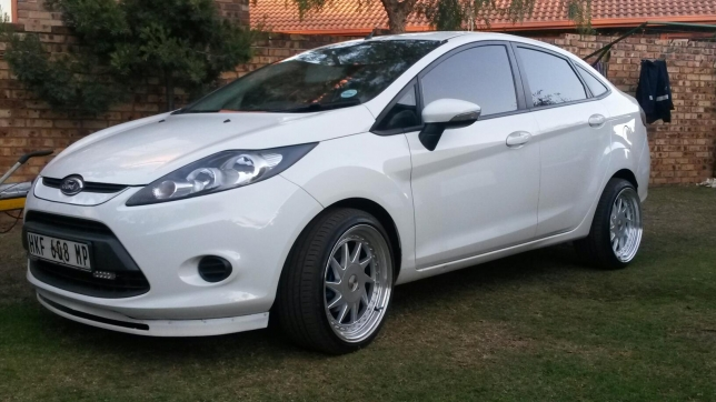 Ford Fiesta 1.6 2012 photo - 10