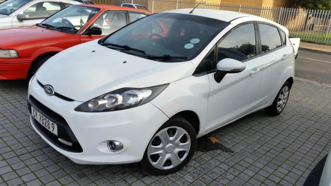 Ford Fiesta 1.6 2012 photo - 11