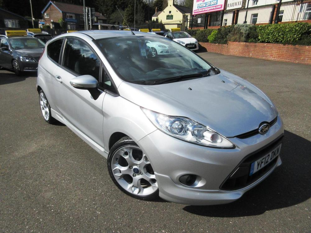 Ford Fiesta 1.6 2012 photo - 4