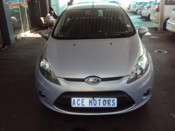 Ford Fiesta 1.6 2013 photo - 12