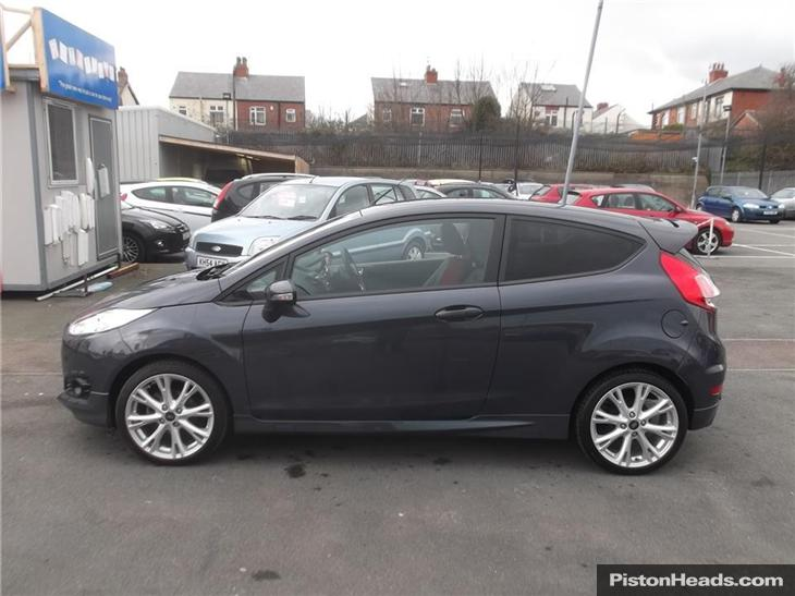 Ford Fiesta 1.6 2013 photo - 5
