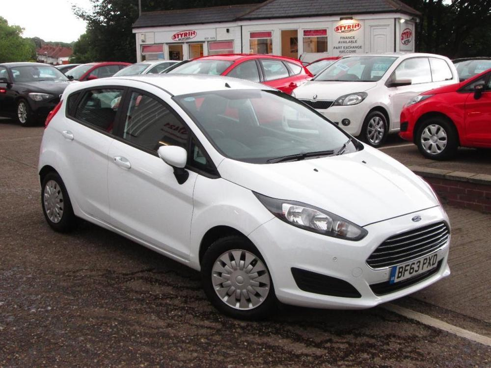 Ford Fiesta 1.6 2013 photo - 6