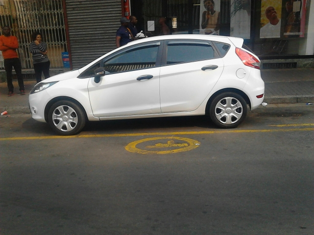 Ford Fiesta 1.6 2013 photo - 9