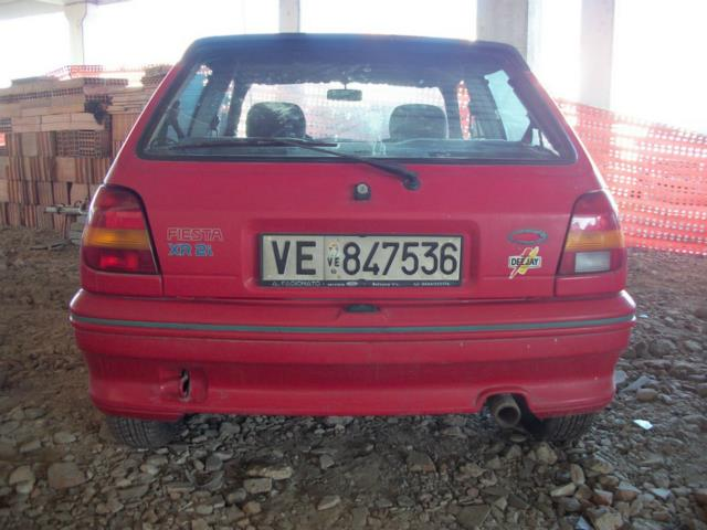Ford Fiesta 1.6i 1991 photo - 10