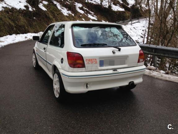 Ford Fiesta 1.6i 1991 photo - 5