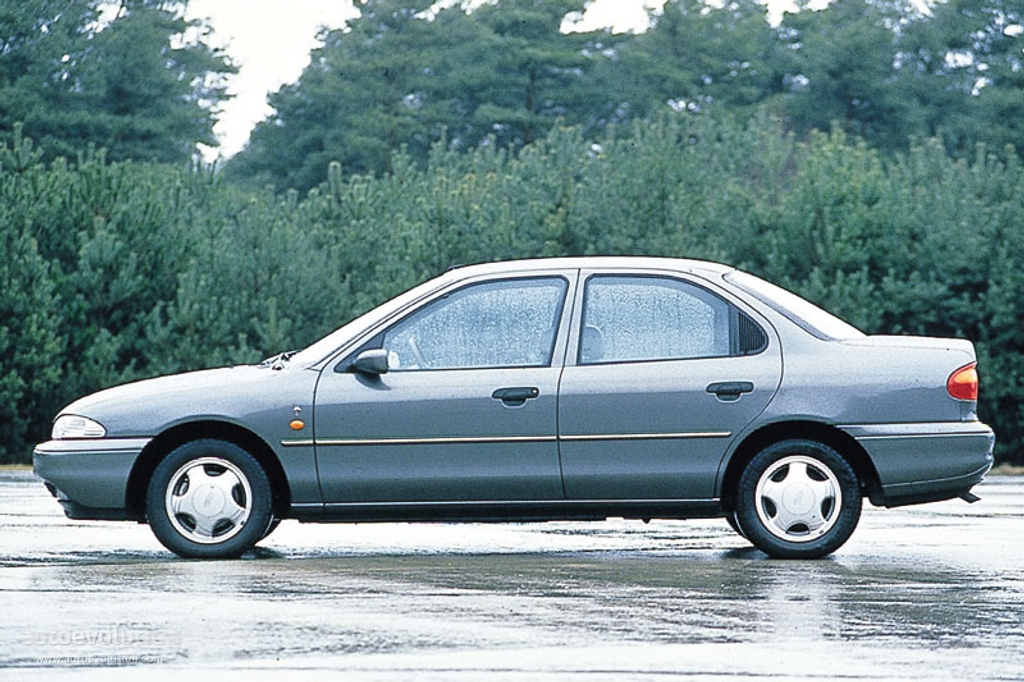 Ford Fiesta 1.6i 1993 photo - 11