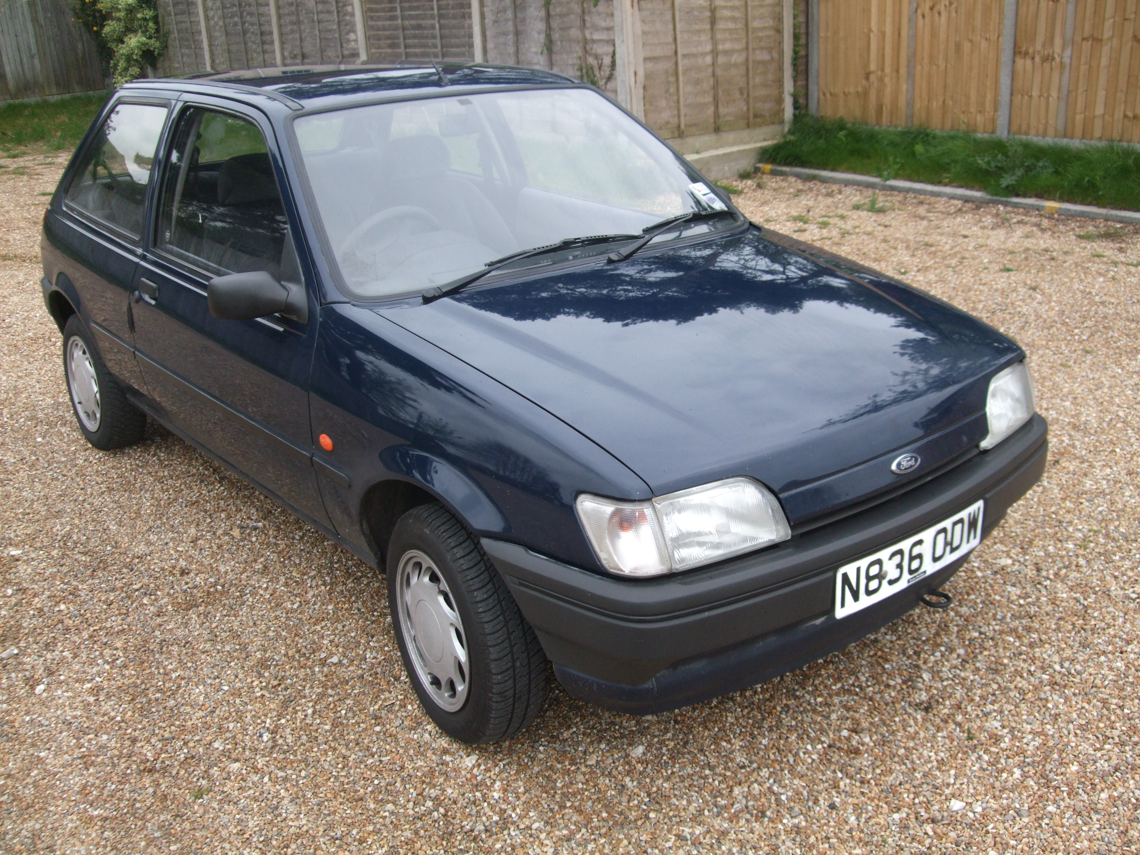 Ford Fiesta 1.8 1995 photo - 1