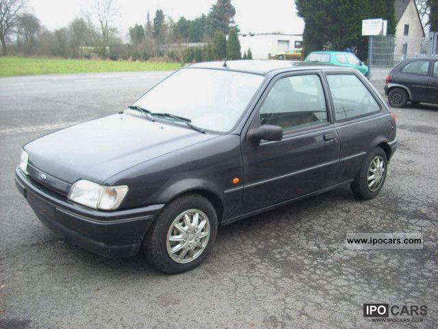 Ford Fiesta 1.8 1995 photo - 7