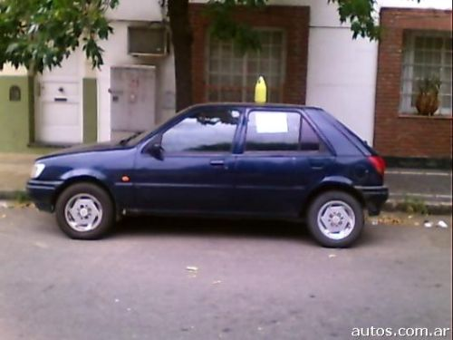 Ford Fiesta 1.8 1995 photo - 9