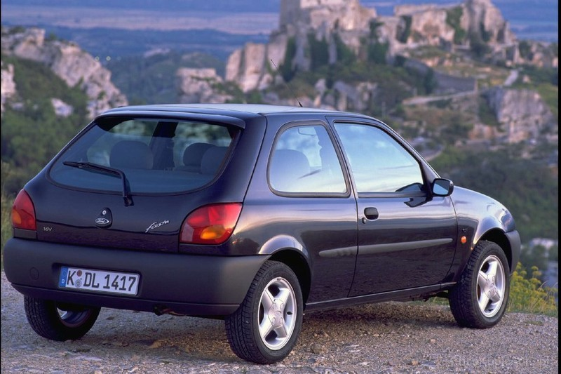 Ford Fiesta 1.8 1996 photo - 2
