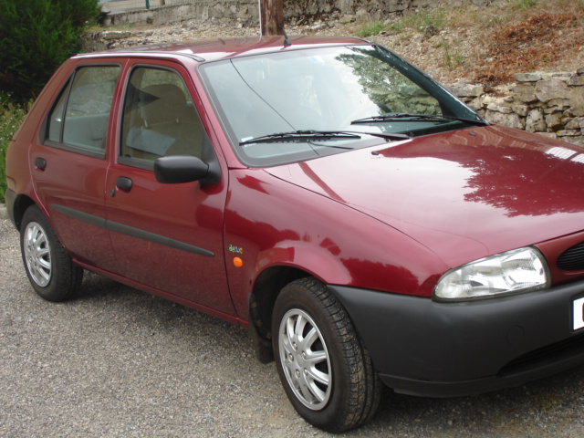 Ford Fiesta 1.8 1998 photo - 2