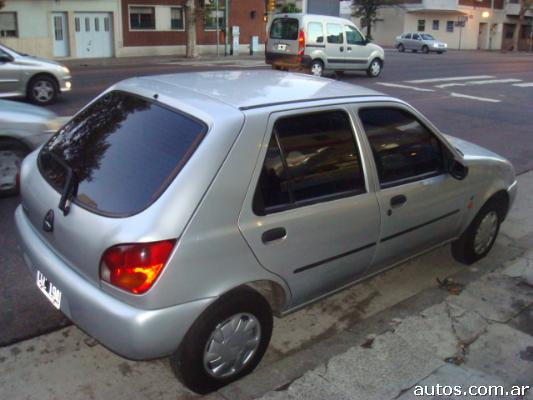 Ford Fiesta 1.8 1998 photo - 7