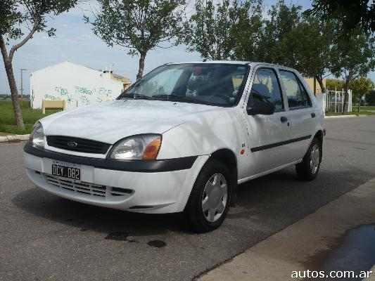 Ford Fiesta 1.8 2000 photo - 3