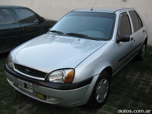 Ford Fiesta 1.8 2000 photo - 5