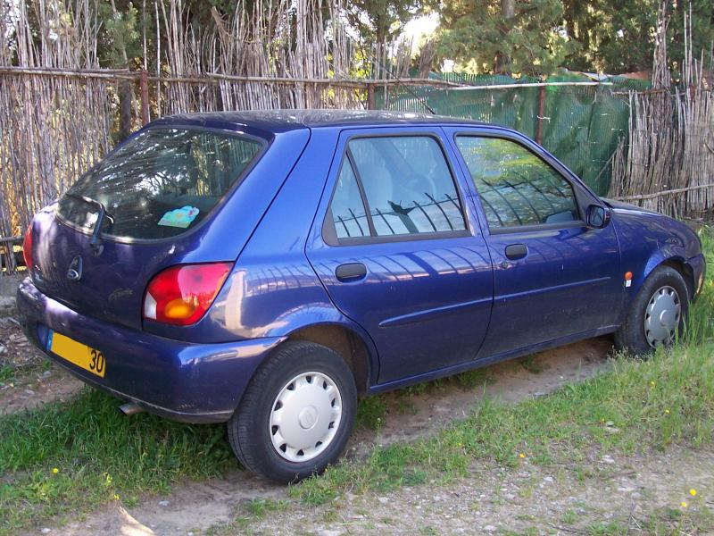 Ford Fiesta 1.8 2000 photo - 9