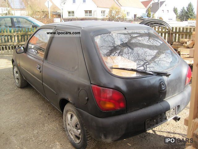 Ford Fiesta 1.8i 1995 photo - 4