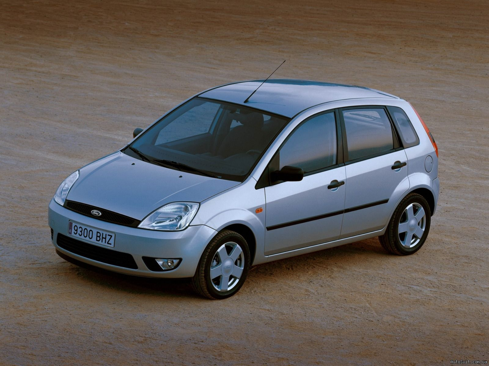 Ford Fiesta 2.0 2002 photo - 1