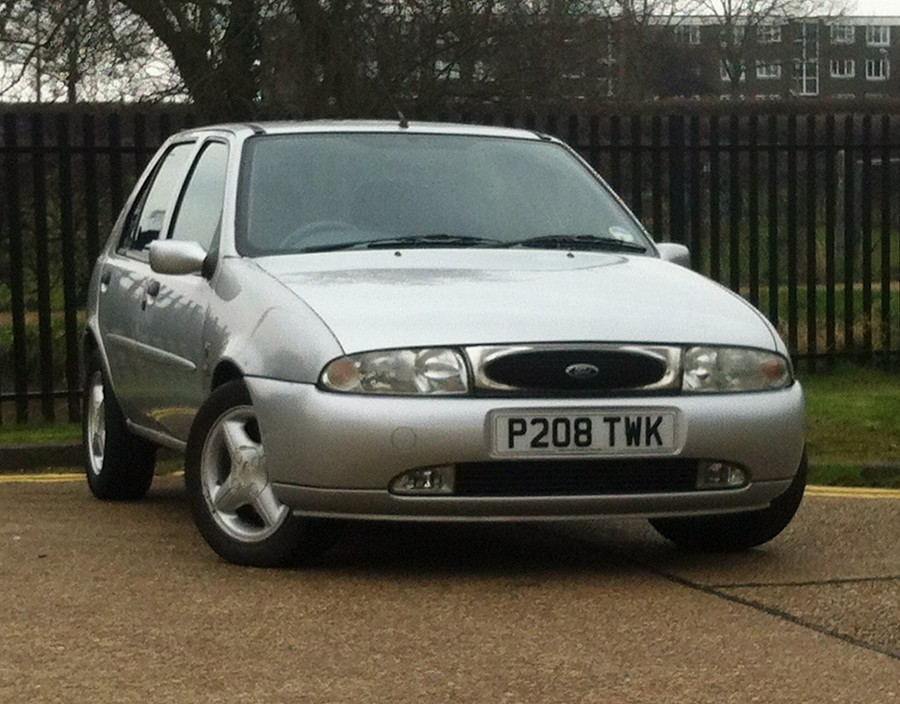 Ford Fiesta 2.0 2002 photo - 10