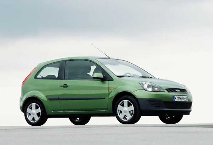 Ford Fiesta 2.0 2002 photo - 5