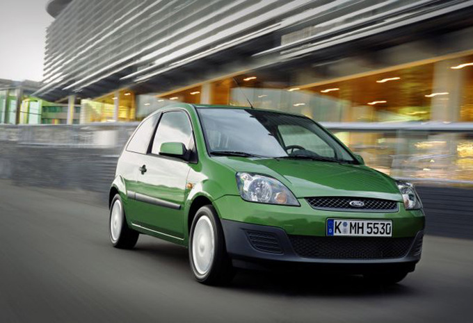 Ford Fiesta 2.0 2002 photo - 7