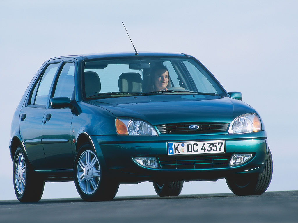Ford Fiesta 2.0 2002 photo - 8