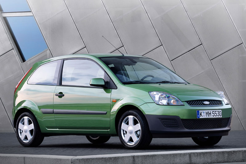 Ford Fiesta 2.0 2005 photo - 11