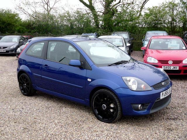 Ford Fiesta 2.0 2005 photo - 5
