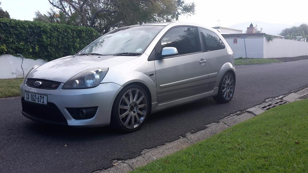 Ford Fiesta 2.0 2007 photo - 3