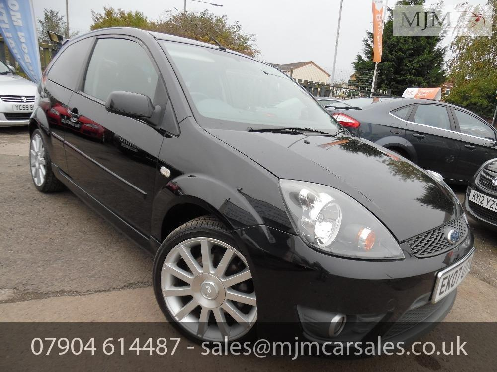 Ford Fiesta 2.0 2007 photo - 7