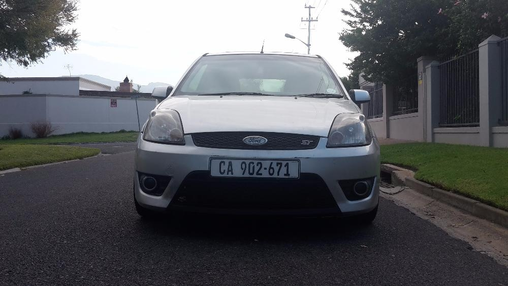 Ford Fiesta 2.0 2007 photo - 9