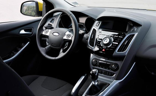 Ford Focus 1.0 2012 photo - 10