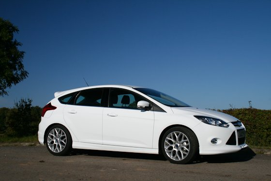 Ford Focus 1.0 2012 photo - 4