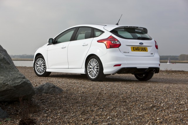 Ford Focus 1.0 2012 photo - 5