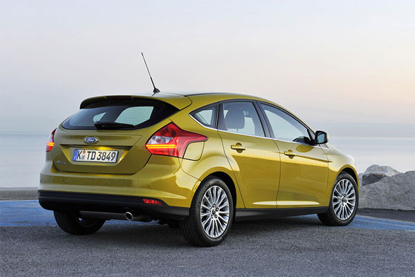 Ford Focus 1.0 2012 photo - 9