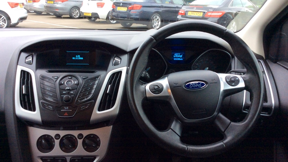 Ford Focus 1.0 2014 photo - 9