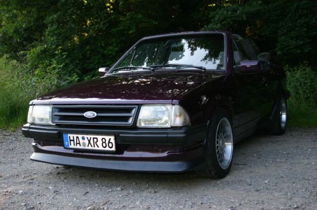 Ford Focus 1.4 1984 photo - 6