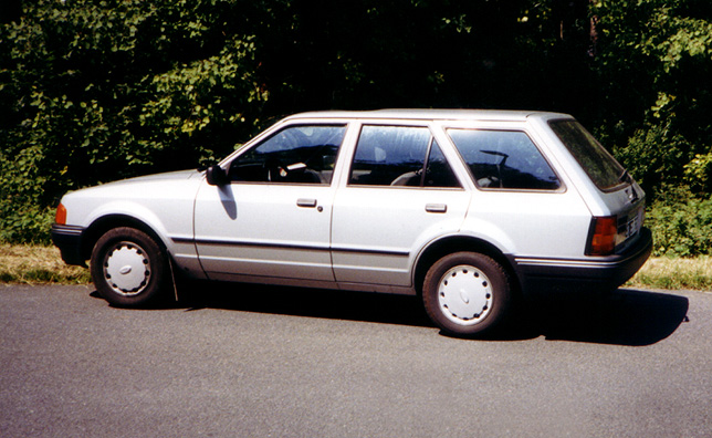 Ford Focus 1.4 1988 photo - 6