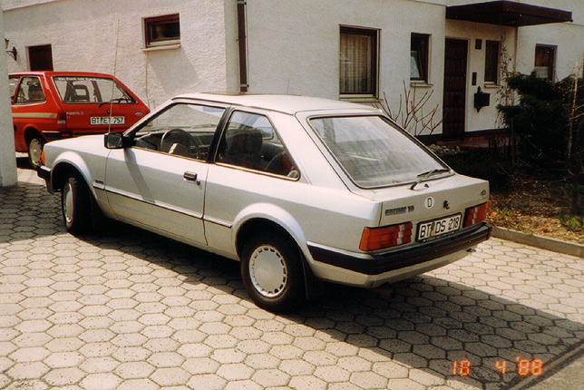 Ford Focus 1.4 1988 photo - 8