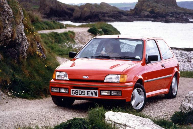 Ford Focus 1.4 1989 photo - 2