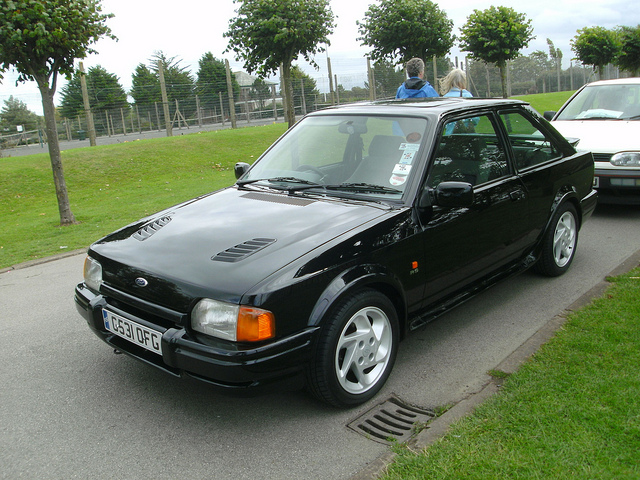 Ford Focus 1.6 1989 photo - 2