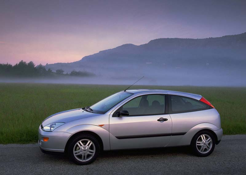 Ford Focus 1.6 1998 photo - 6