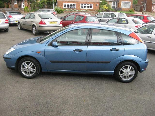 Ford Focus 1.6 2002 photo - 1