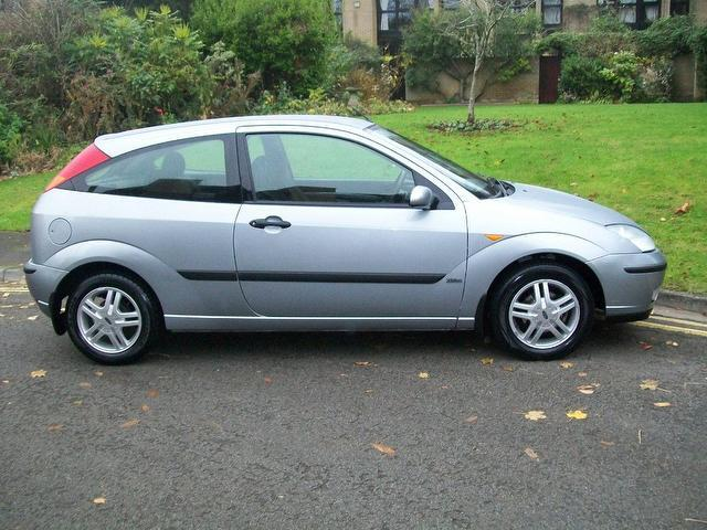 Ford Focus 1.6 2002 photo - 2