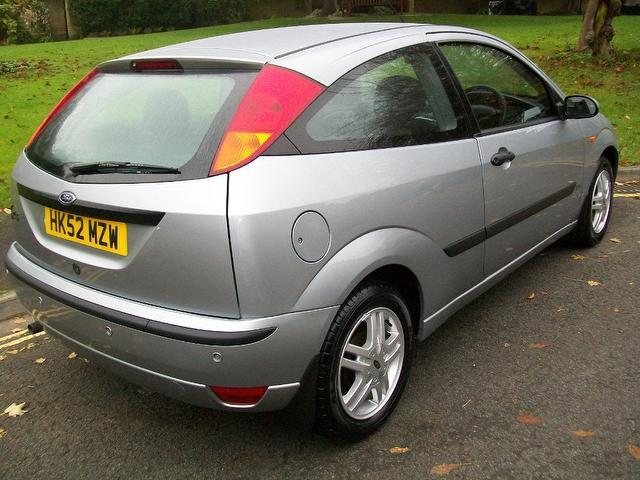 Ford Focus 1.6 2002 photo - 3