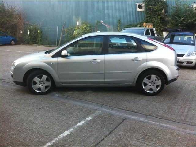 Ford Focus 1.6 2007 photo - 2