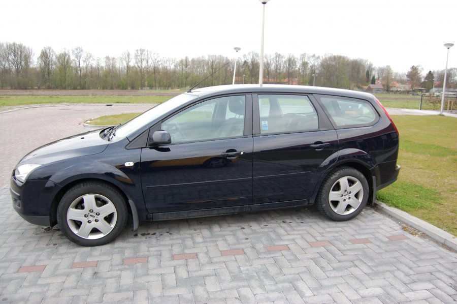 Ford Focus 1.6 2007 photo - 9