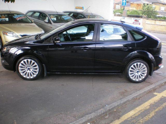 Ford Focus 1.6 2009 photo - 11